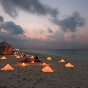 Soneva Fushi – Private Dinner Picnic at Sand Bank