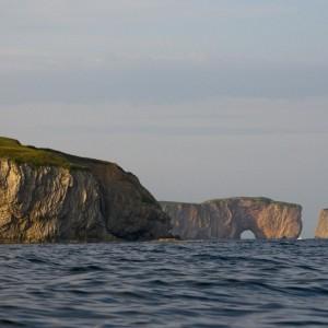 Phare de cap d'Espoir et vue sur le rocher Percé © Le Québec maritime-Marc Loiselle