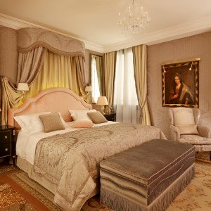 Danieli—Signature-Suite—Bedroom