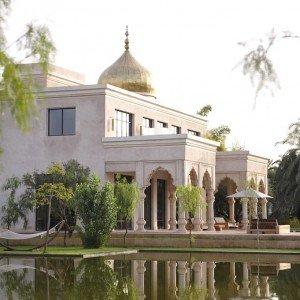 Palais Namaskar 3