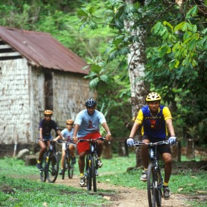 Ste Lucie_Mountain biking ©St. Lucia Tourist Board