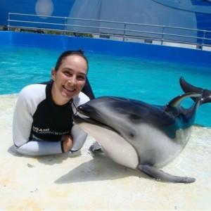 Miami-Seaquarium-Trainer-and-Dolphin-CU