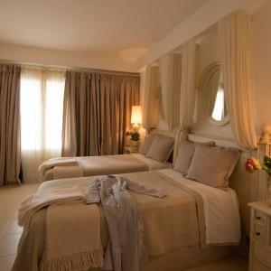 Villas_Master_Bedroom