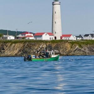 Bateau de pêche-phare de Cap-des-Rosiers © Le Québec maritime-Marc Loiselle