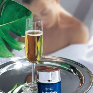 champagne & caviar_© La Prairie at The Ritz-Carlton Central Park