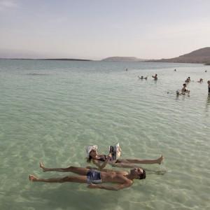 MER MORTE_Flotter sur la mer de sel©Israeli Ministry of Tourism_Itamar Grinberg
