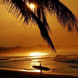 COSTA RICA SURF © Beth Swanson
